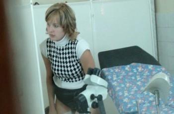 Женщину в кабинете гинеколога тайком сняли на видео
