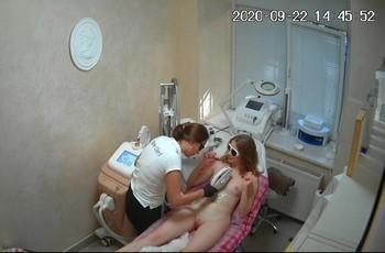 Русская девушка в салоне красоты