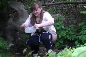 Подглядывание за писающими в парке