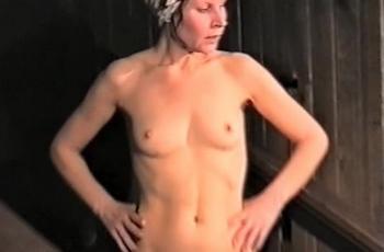 Тайно снятое в парилке женской бани