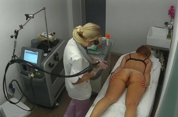 Интимное видео скрытой камеры из салона красоты